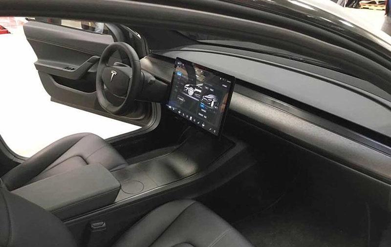 Tesla Model 3, interiér