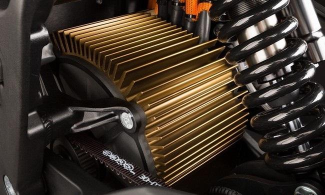 Forradalmian új Z-Force motor