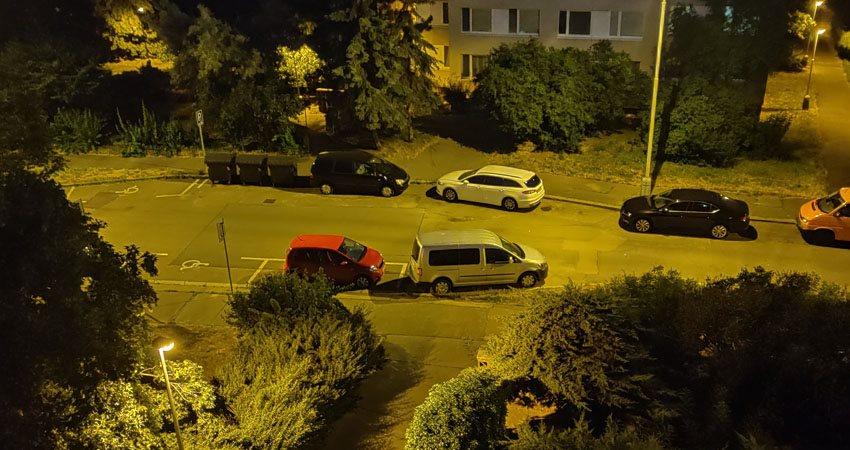 OnePlus 7 Pro -  egy utca éjszaka