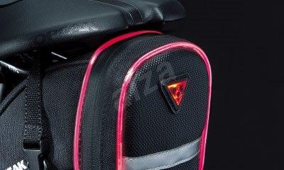 Topeak Aero Wedge Medium iGlow szíjakkal - Kerékpáros táska