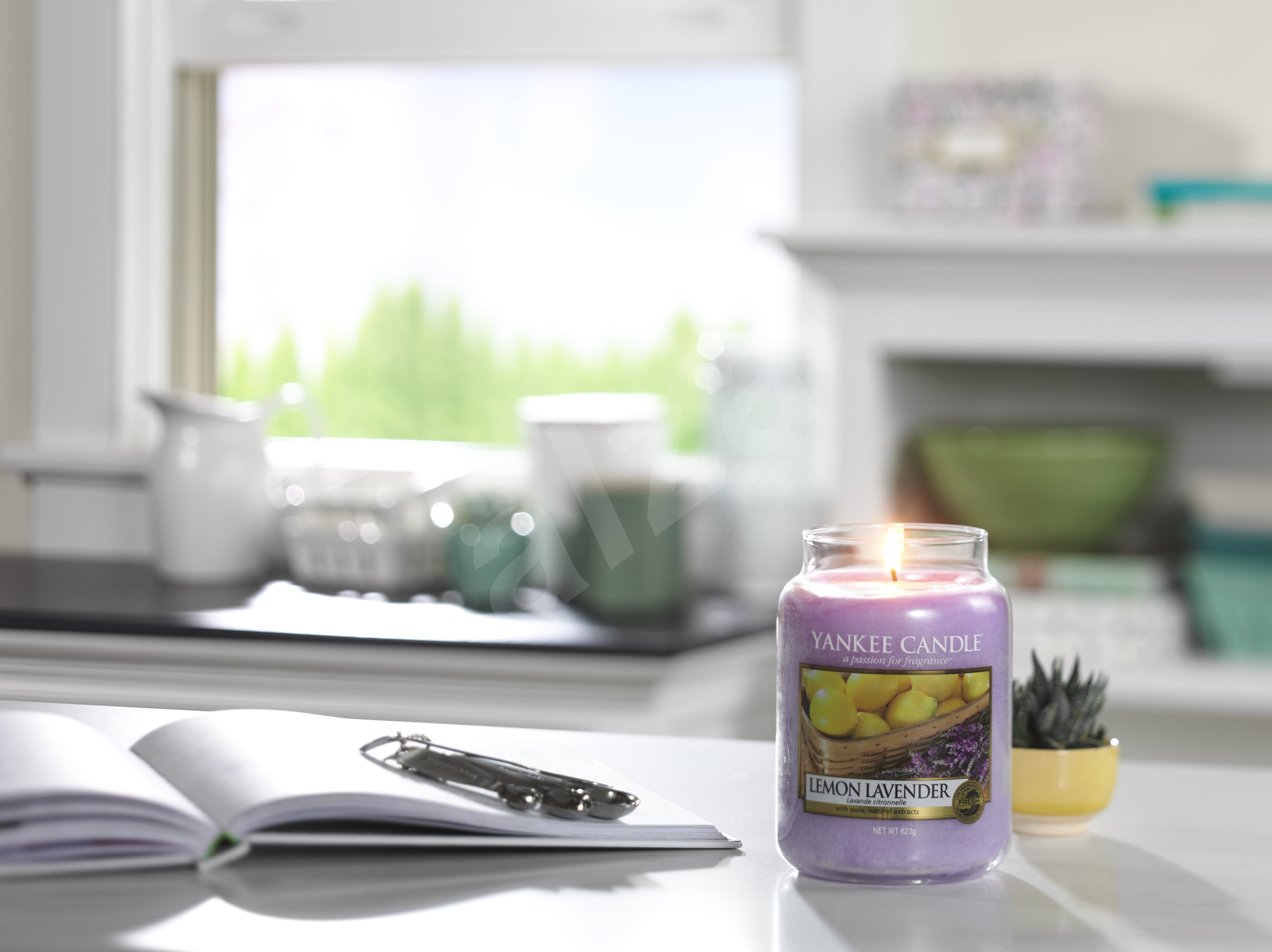 YANKEE CANDLE Sun-Drenched Apricot 411 g - Gyertya